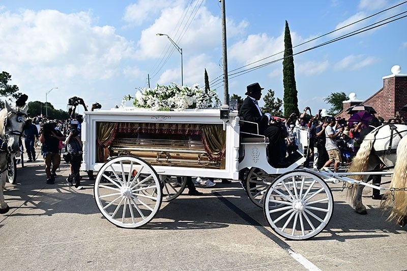 george-floyd-funeral_2020-06-10_07-45-30.jpg.f96b2166a5be6ae12622c3572454e147.jpg