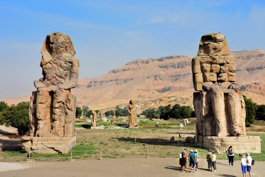 Colossi_of_Memnon_May_2015_2.JPG