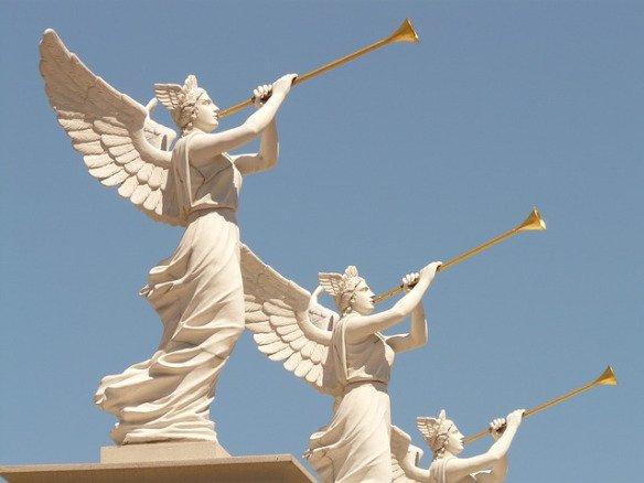 three-trumpet-angels1.jpg.6fc82925e633a146143f3d7100f94f55.jpg