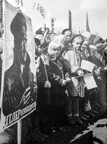 Ukraine-so-upset-German-Invasion-they-protest..jpg.d99360a5a89d1882f091bf66d4c5f75f.jpg