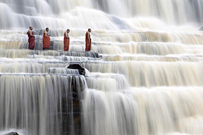 monks.jpg.8ef3e8ebbcfc1c236aa15983dadcd7b2.jpg