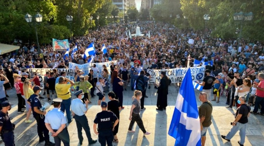 anti-vaxxers-rally-athens-july21-credit-greek-reporter-1392x773.jpg.d6573d5646923d7535a4890950e1e07b.jpg