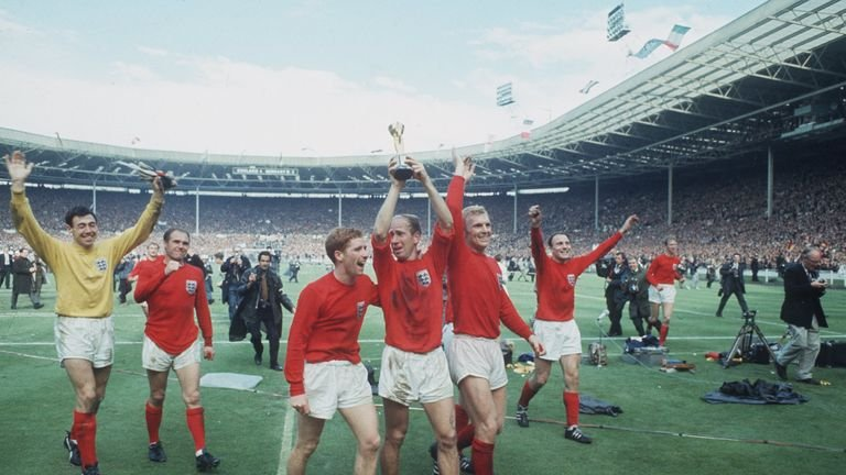 world-cup-england-celebrate_3752651.jpg
